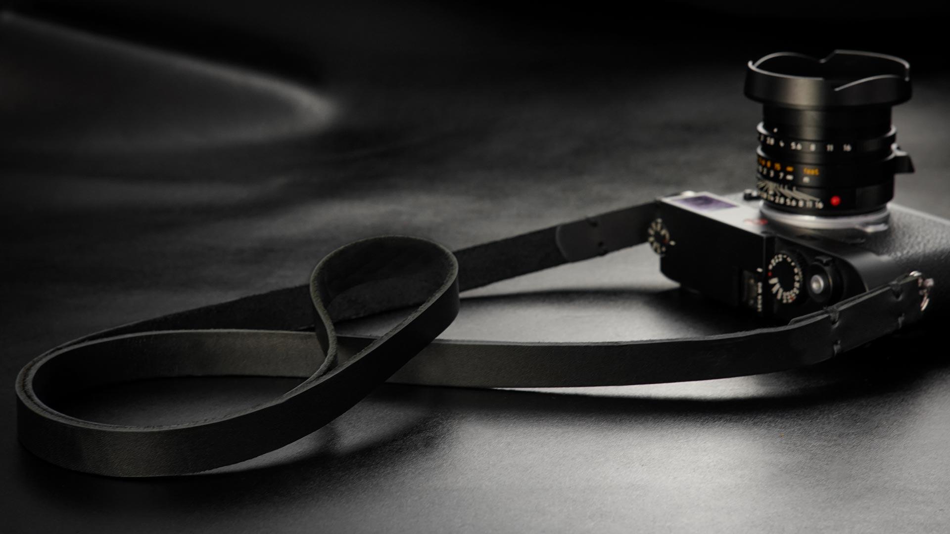 classic strap, leather camera strap, handmade leather camera strap, leica camera strap, mirrorless camera strap, handmade camera strap, dslr camera strap, black camera strap