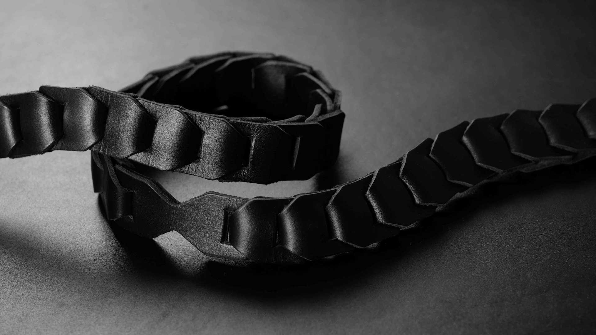 leica s strap, leica sl strap, leather camera strap, handmade leather camera strap, leica camera strap, mirrorless camera strap, handmade camera strap, black camera strap